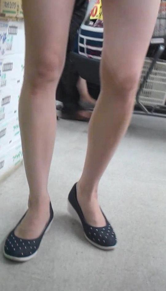 【脚フェチ】細身のスレンダー脚からムッチムチのデブ脚までまとめたったwwwwww(100枚)・5枚目
