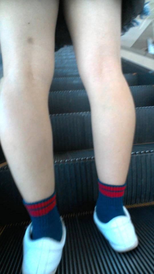 【脚フェチ】細身のスレンダー脚からムッチムチのデブ脚までまとめたったwwwwww(100枚)・8枚目