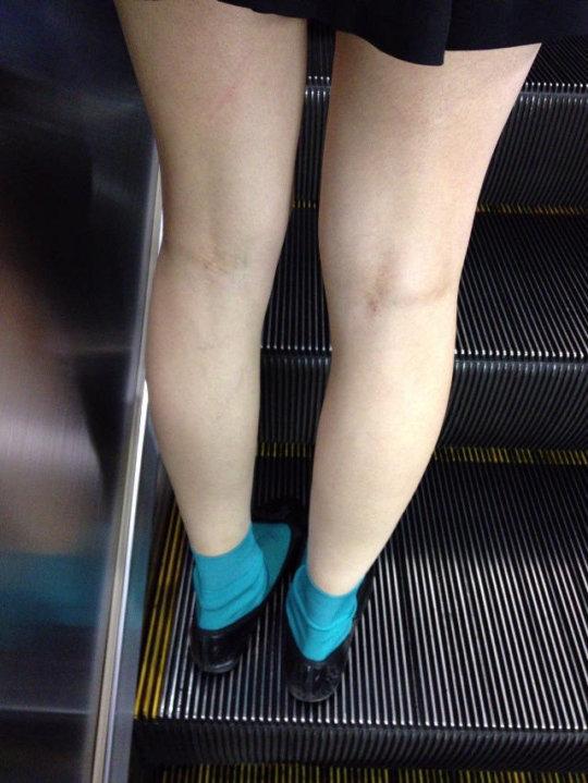 【脚フェチ】細身のスレンダー脚からムッチムチのデブ脚までまとめたったwwwwww(100枚)・27枚目