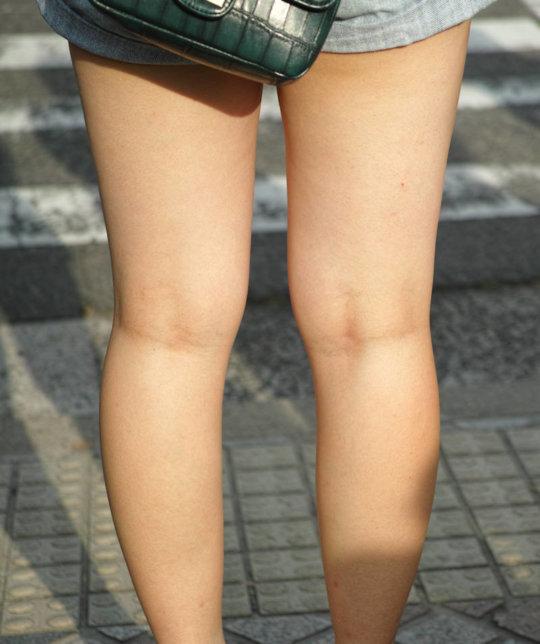 【脚フェチ】細身のスレンダー脚からムッチムチのデブ脚までまとめたったwwwwww(100枚)・40枚目