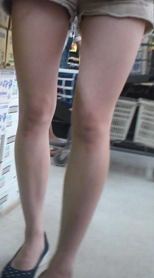【脚フェチ】細身のスレンダー脚からムッチムチのデブ脚までまとめたったwwwwww(100枚)・69枚目