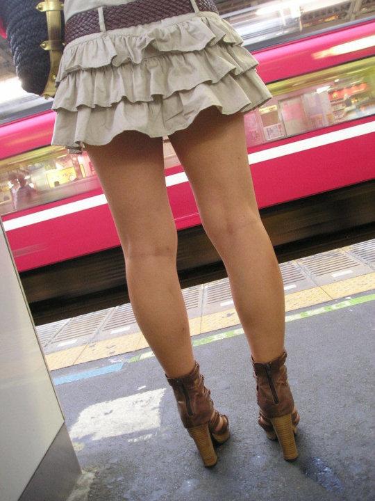 【脚フェチ】細身のスレンダー脚からムッチムチのデブ脚までまとめたったwwwwww(100枚)・73枚目
