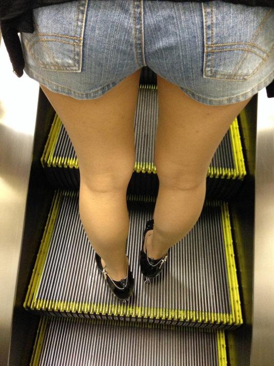 【脚フェチ】細身のスレンダー脚からムッチムチのデブ脚までまとめたったwwwwww(100枚)・84枚目