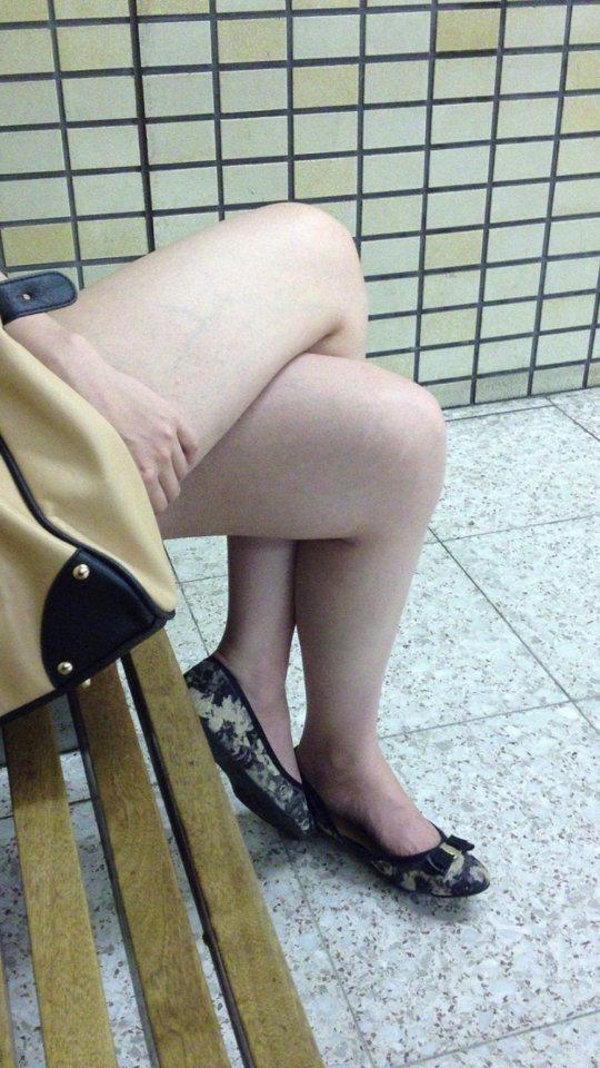 【脚フェチ】細身のスレンダー脚からムッチムチのデブ脚までまとめたったwwwwww(100枚)・94枚目