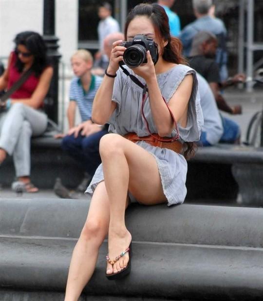 【※神業※】撮影者のパンチラを撮影するヤツwwwwwwwwwwwwwwwwwwwwwwwwwwwwww(画像あり)・12枚目