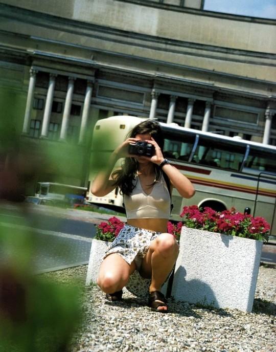 【※神業※】撮影者のパンチラを撮影するヤツwwwwwwwwwwwwwwwwwwwwwwwwwwwwww(画像あり)・14枚目