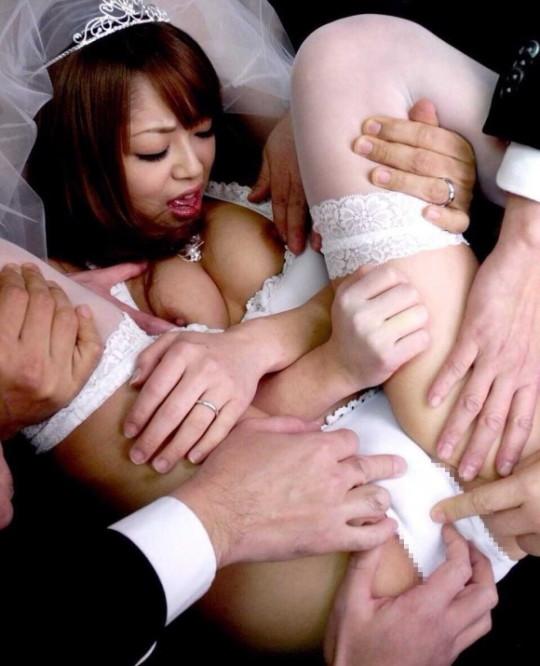 【※童貞脳内※】新婚初夜ってコレで合ってる?wwwwwwwwwwwwwwwwwwwwwwwwwwww(画像あり)・4枚目