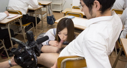 【※ボッキ注意※】「AV撮影現場」を遠巻きにコッソリ撮るの楽しすぎクソワロタwwwwwwwwwwwwww(画像あり)・8枚目