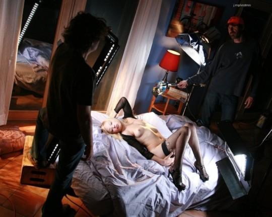 【背に腹は・・】魂を売ったカメラマンのツイート「ヌードモデル撮影ナウ」がコチラwwwwwwwwwwww(画像あり)・12枚目