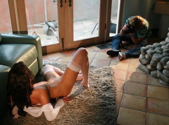 【背に腹は・・】魂を売ったカメラマンのツイート「ヌードモデル撮影ナウ」がコチラwwwwwwwwwwww(画像あり)・17枚目