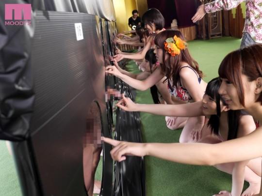 【※マジキチ※】AV女優16人とファン16人を無人島に1泊2日で閉じ込めた結果wwwwwwwwwwwwwwwwww(画像あり)・18枚目