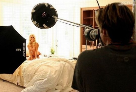 【背に腹は・・】魂を売ったカメラマンのツイート「ヌードモデル撮影ナウ」がコチラwwwwwwwwwwww(画像あり)・19枚目
