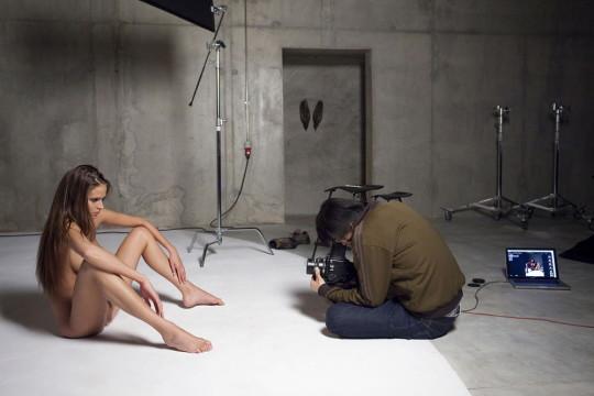 【背に腹は・・】魂を売ったカメラマンのツイート「ヌードモデル撮影ナウ」がコチラwwwwwwwwwwww(画像あり)・6枚目