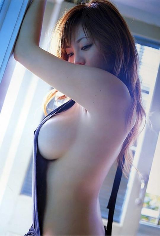 【fantastic!!!!】外人が日本のグラビアを見て一番感動するおっぱいショットがコチラwwwwwwwwwwww(画像29枚)・26枚目