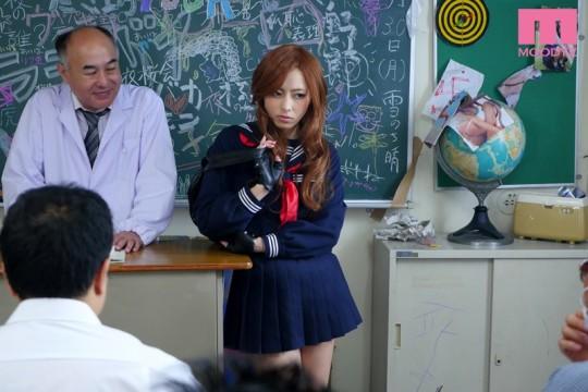 【~想定の範囲内~】ヤンキー女がヤンキー学校に転校した結果wwwwwwwwwwwwwwwwwwwwww(画像あり)・1枚目