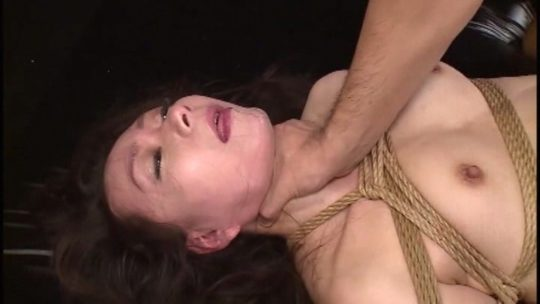 「首絞めセックス」とかいう命をかけるプレイがこちら・・・・45枚目