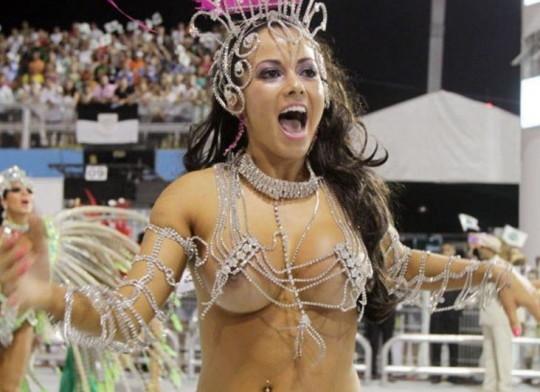 【-超絶悲報ー】リオカーニバルのブラジリアン凶暴おっぱい(美女)が全くヌケない。(画像あり)・5枚目