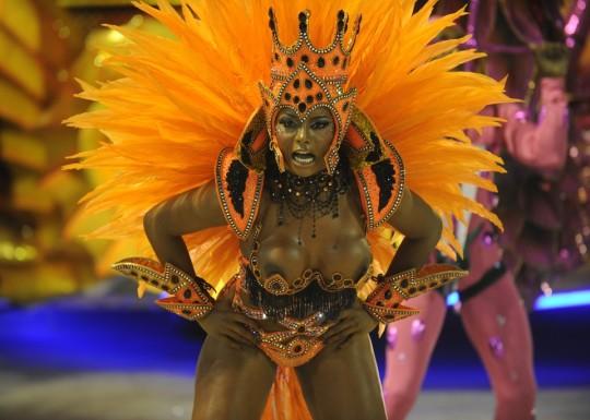 【-超絶悲報ー】リオカーニバルのブラジリアン凶暴おっぱい(美女)が全くヌケない。(画像あり)・6枚目