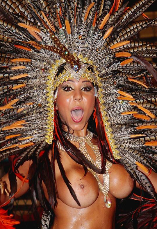 【-超絶悲報ー】リオカーニバルのブラジリアン凶暴おっぱい(美女)が全くヌケない。(画像あり)・10枚目