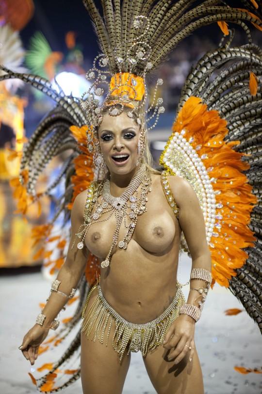 【-超絶悲報ー】リオカーニバルのブラジリアン凶暴おっぱい(美女)が全くヌケない。(画像あり)・11枚目