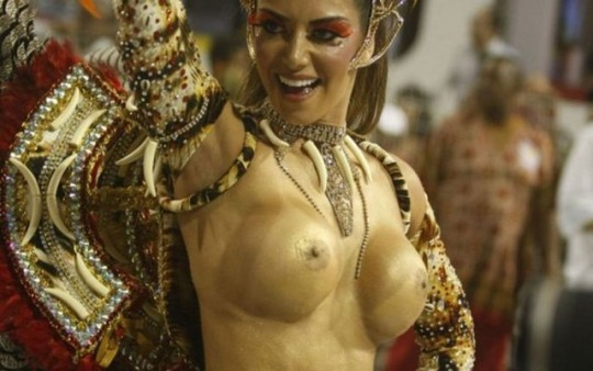 【-超絶悲報ー】リオカーニバルのブラジリアン凶暴おっぱい(美女)が全くヌケない。(画像あり)・22枚目