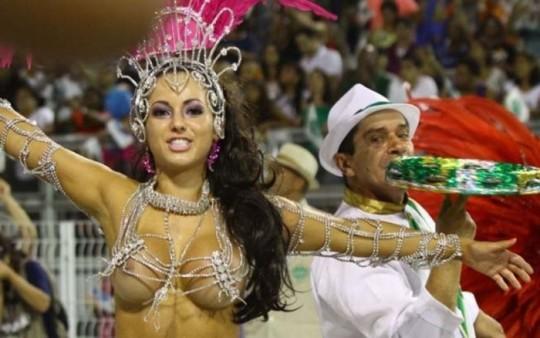 【-超絶悲報ー】リオカーニバルのブラジリアン凶暴おっぱい(美女)が全くヌケない。(画像あり)・23枚目
