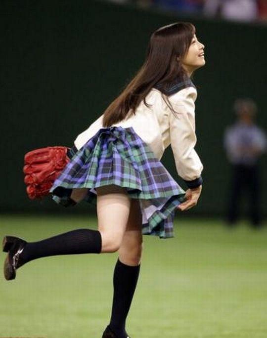 【※堪忍袋の緒が・・※】ワ イ 将 や き う ヲ タ、最 近 の プ ロ 野 球 始 球 式 に 一言 だ け 物 申 す。(画像27枚)・21枚目