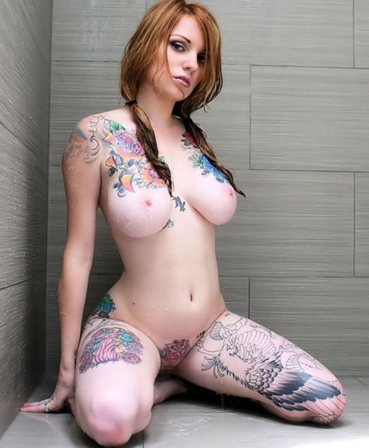 【-後悔先に立たず-】全身タトゥーの白人女性、もったいな杉(※画像30枚※)・1枚目