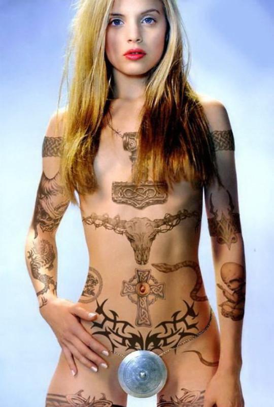 【-後悔先に立たず-】全身タトゥーの白人女性、もったいな杉(※画像30枚※)・5枚目