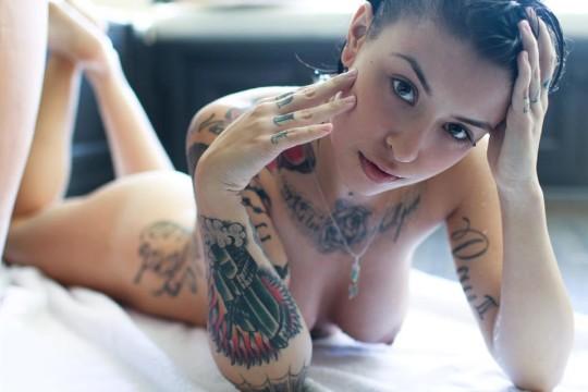 【-後悔先に立たず-】全身タトゥーの白人女性、もったいな杉(※画像30枚※)・14枚目