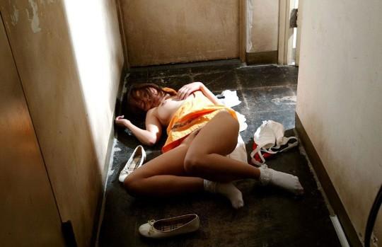 【閲覧注意】日本の女性がレイプされ放置された事後画像が悲しくなりね・・・(画像あり)・16枚目