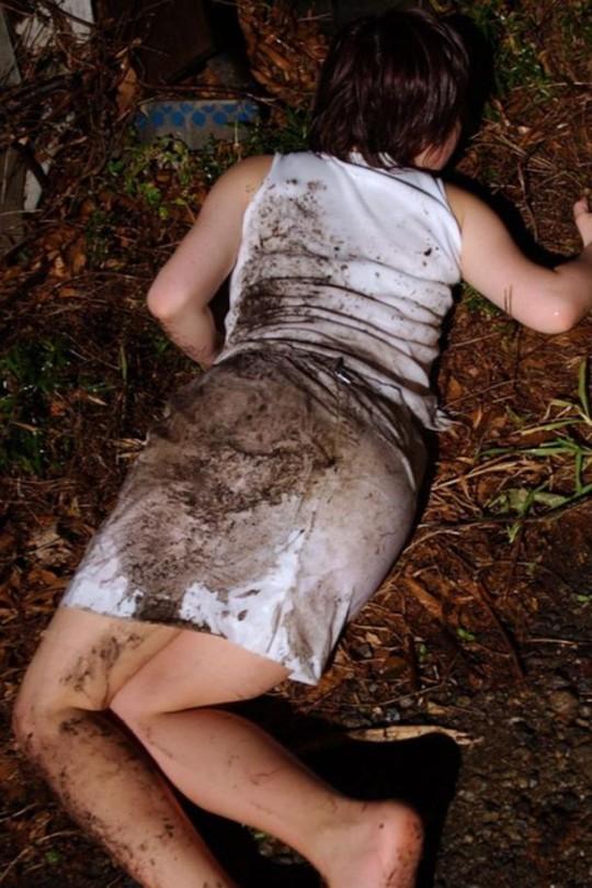 【※閲覧注意】『レイプ → 放置』のコンボ喰らった人生終了女性の事後画像を無慈悲に貼ってく鬼畜スレ(※画像29枚※)・18枚目