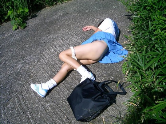 【閲覧注意】日本の女性がレイプされ放置された事後画像が悲しくなりね・・・(画像あり)・19枚目