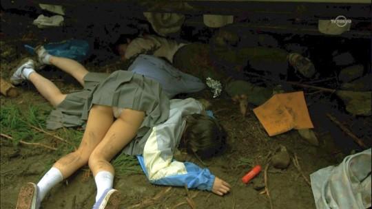 【閲覧注意】日本の女性がレイプされ放置された事後画像が悲しくなりね・・・(画像あり)・25枚目