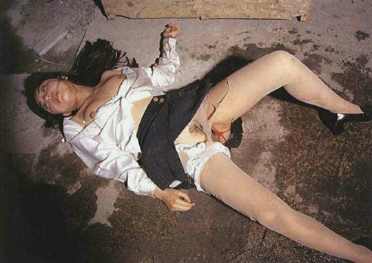 【※閲覧注意】『レイプ → 放置』のコンボ喰らった人生終了女性の事後画像を無慈悲に貼ってく鬼畜スレ(※画像29枚※)・26枚目
