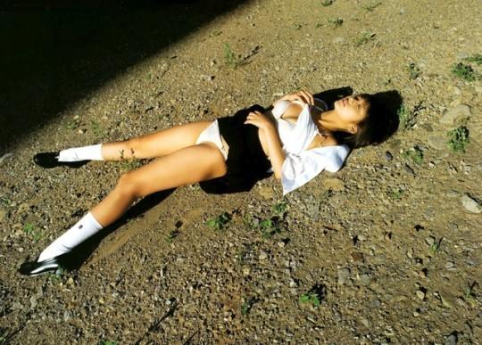 【閲覧注意】日本の女性がレイプされ放置された事後画像が悲しくなりね・・・(画像あり)・29枚目