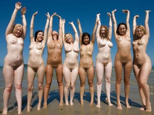 【※異文化】陽気な米国人女性が集合写真を撮る際の『正装』がコチラwwwwwwwwwwwwwwwwwwwwww(画像22枚)・4枚目