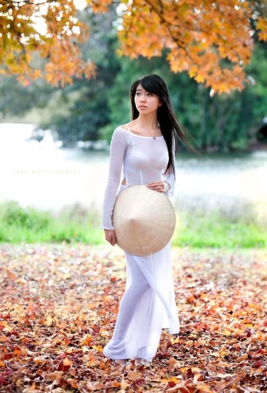 【※越南大好】アオザイ美女画像のてっぺんを決める暇つぶしマニアックスレ。(※画像29枚※)・1枚目