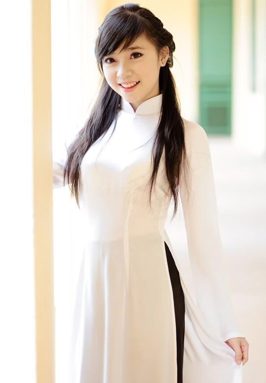 【※越南大好】アオザイ美女画像のてっぺんを決める暇つぶしマニアックスレ。(※画像29枚※)・4枚目