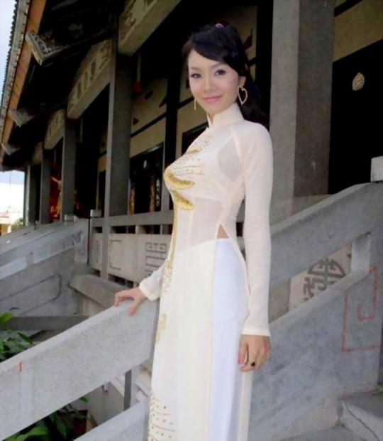 【※越南大好】アオザイ美女画像のてっぺんを決める暇つぶしマニアックスレ。(※画像29枚※)・7枚目