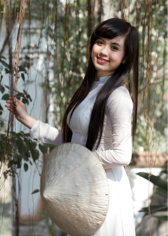 【※越南大好】アオザイ美女画像のてっぺんを決める暇つぶしマニアックスレ。(※画像29枚※)・9枚目