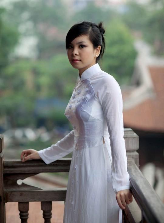 【※越南大好】アオザイ美女画像のてっぺんを決める暇つぶしマニアックスレ。(※画像29枚※)・16枚目