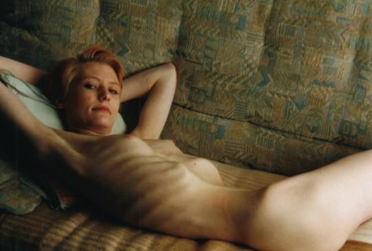 【※超・閲覧注意】重度拒食症女性のヌード画像怖すぎ・・コレ生きてんのか。。(画像25枚)・25枚目