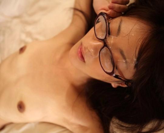 【※眼鏡あるある】秀才女子の性行為中の「よくある惨事」がコチラ。(※画像あり※)・20枚目