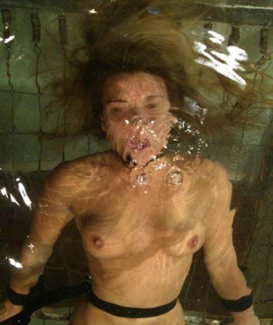【※基地外】SMで水責めするヤツwwwwwwこれはアカンwwwwwwwwwwwwwwwwwwwwwwwww(画像あり)・1枚目