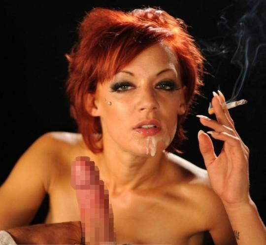 【※画像あり】タバコ吸いながらフェラする女の画像が想像以上の嫌悪感で草wwwwwwwwwwwwwwwww・14枚目