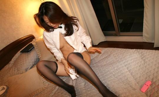 【※哀愁注意】ティッシュで事後処理をする女性の画像を貼ってクレメンスwwwwwwwwwwww(画像あり)・25枚目