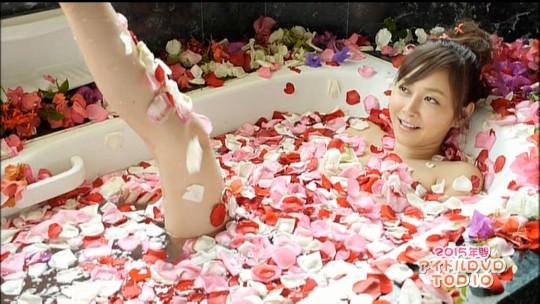【※画像あり】「ランク王国 新春アイドルDVDランキング」で篠豚の乳輪の欠片キタwwwwwwwwwwwwwww・14枚目