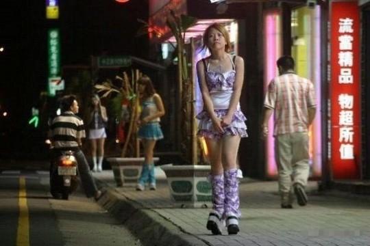 【※異文化】台湾の大正義、檳榔(ビンロウ)売り娘ギャラリー。 この文化何回見てもホント不思議杉・・(画像30枚)・17枚目