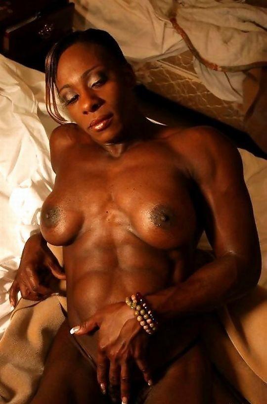 【※画像あり】おまえら、この女目の前にしても 「黒人女無理ゲー」 って拒否する勇気あるの?wwwwwwwwww・13枚目